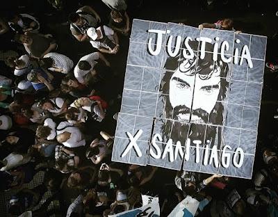 200 mil personas en Plaza de Mayo y un solo grito: JUSTICIA POR SANTIAGO.  EL GOBIERNO ES RESPONSABLE