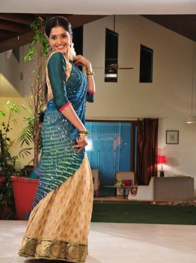 Majestic and ethnic Sanchitha padukone latest stills in saree