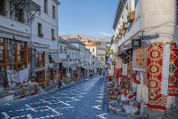 Berbagai Negara Hadiri Festival Seni Rakyat Internasional Tirana di Albania