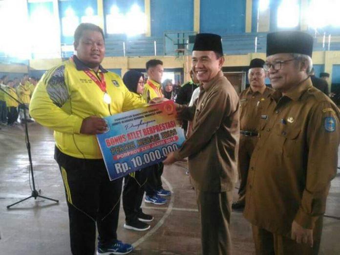 Bonus Atlet Peraih Medali Porprov 2018 Diserahkan Oleh Pemkab Kerinci