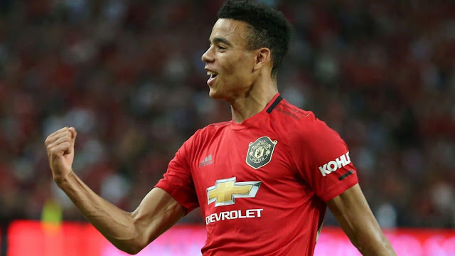 Mason Greenwood signs long term contract with Man Utd