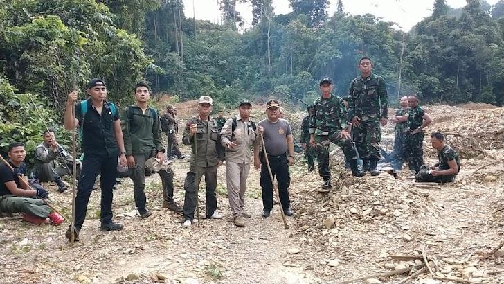 Berantas PETI, Tim Gabungan TNI- POLRI Sisir hutan Lubuk Bedorong