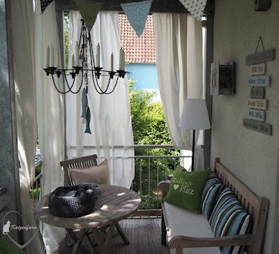 Rund um Terrasse oder Balkon: Gemütlich eingerichtetes Sommerzimmer bei Bloggerin Bettina von Katzenfarm