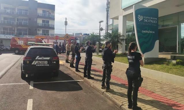 Com o avanço da pandemia, aumenta o movimento de oração na porta de hospitais pelo Brasil