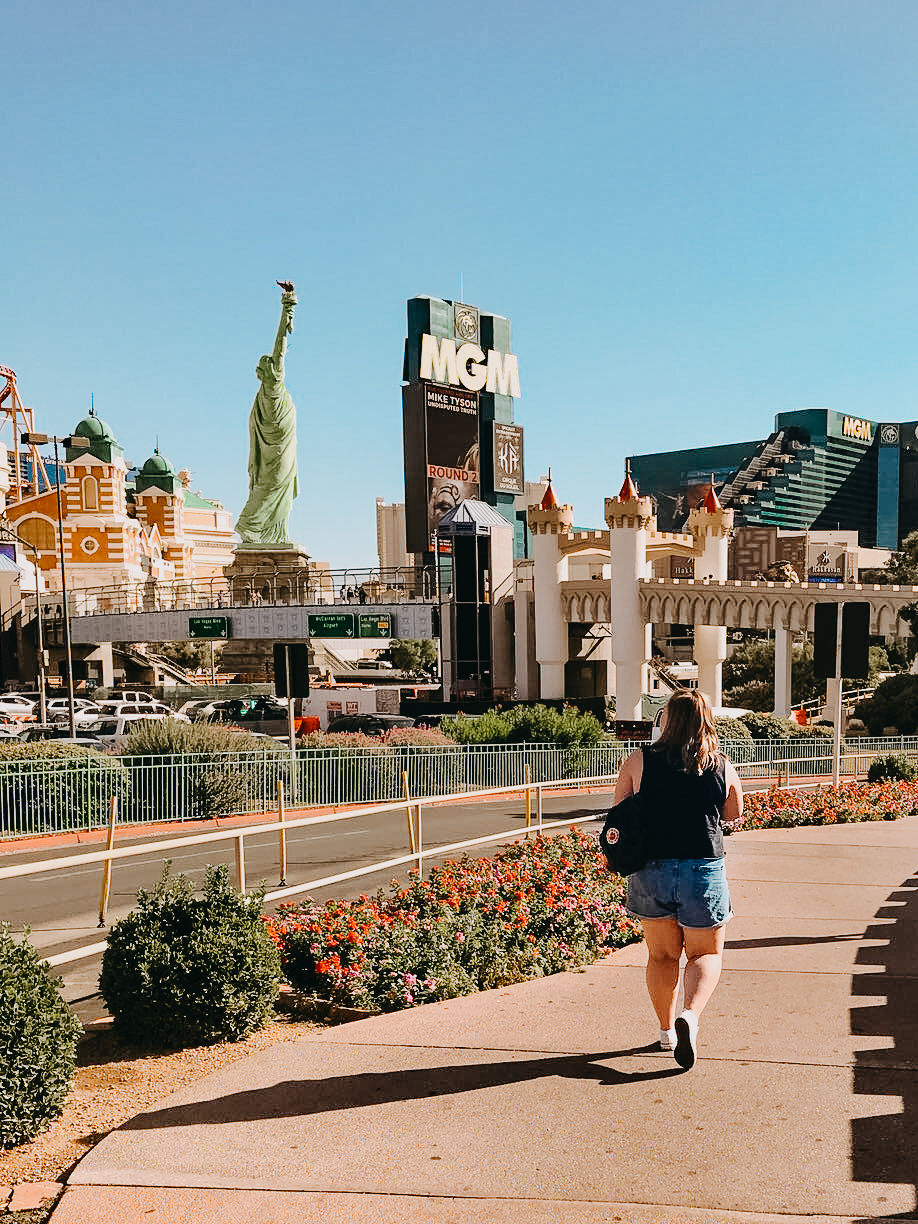 What to Eat Drink & Do in Las Vegas - Las Vegas Guide - ItsHollieAnn