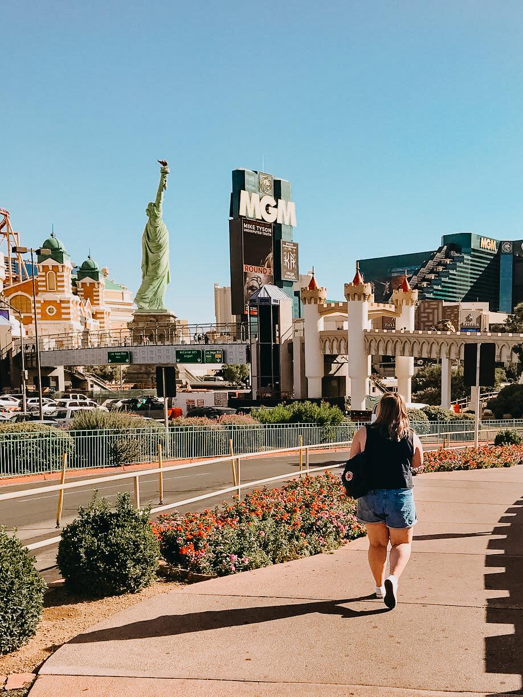 What to Eat Drink + Do in Las Vegas - Las Vegas Guide - ItsHollieAnn