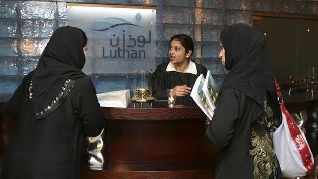 Arab Saudi Izinkan Turis Bukan Mahram Menginap Sekamar