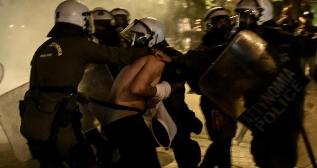Ανακοίνωση-ντροπή από Χρυσοχοΐδη για την άγρια καταστολή στα Εξάρχεια – VIDEO & ΦΩΤΟ