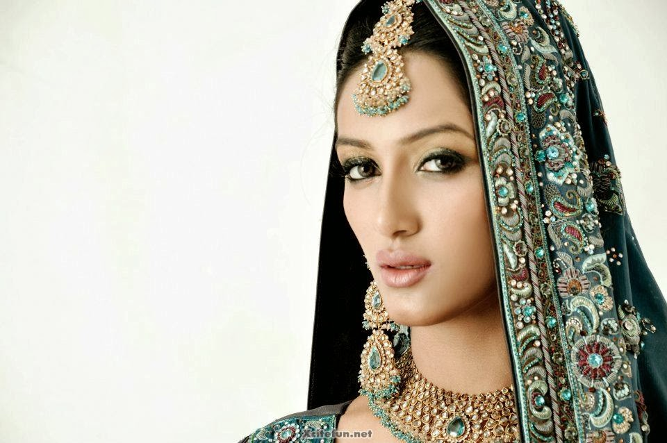 Planet Lollywood: Mathira To Make Her Bollywood Debut Soon