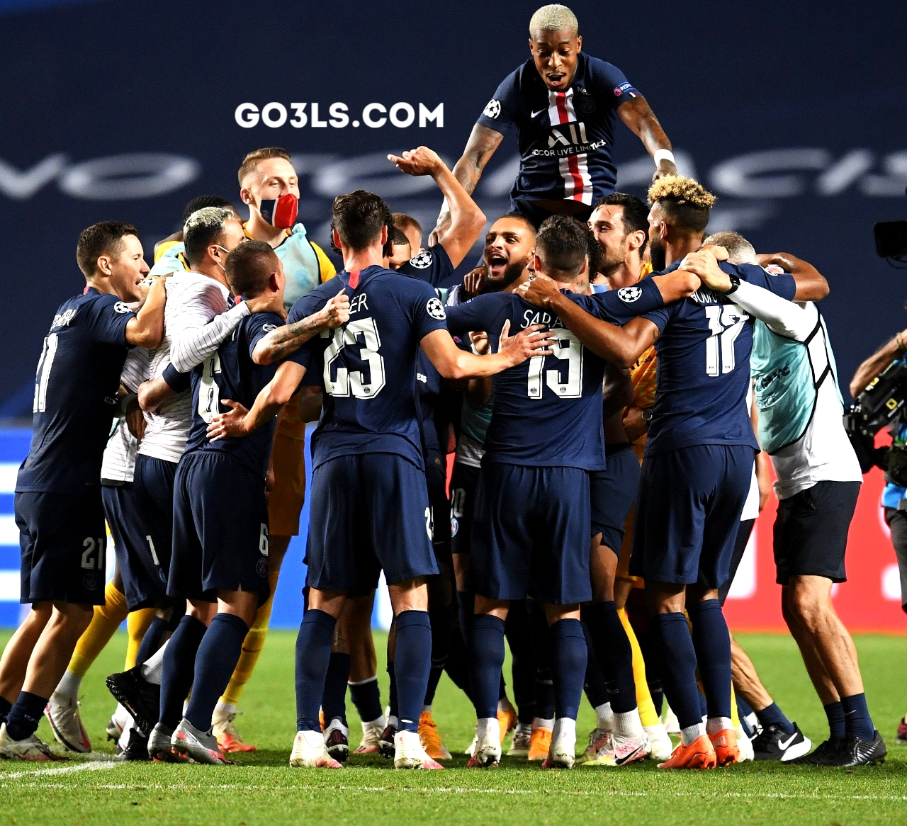 Celebrate the Paris Saint-Germain players