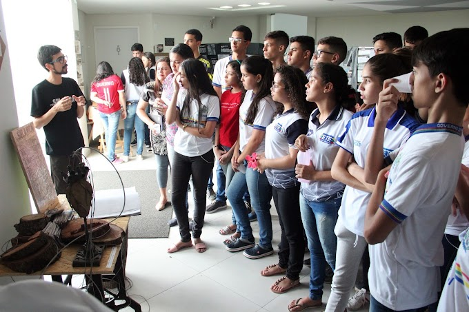 Alunos da ETE José Nivaldo e Escola Santo Antônio visitam o Museu da Sulanca