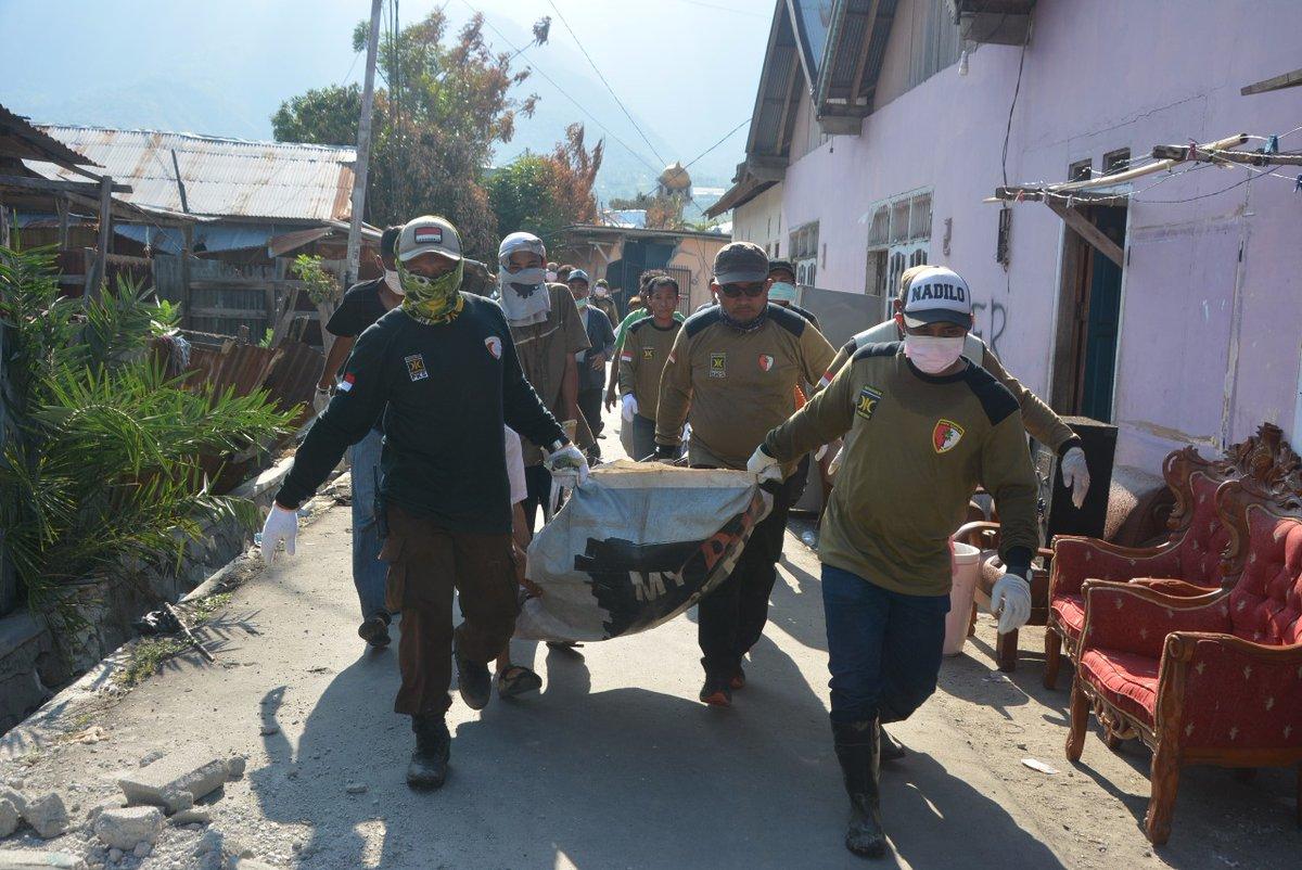 Mengapa Jokowi Tidak Tetapkan Gempa Sulteng Sebagai Bencana Nasional?