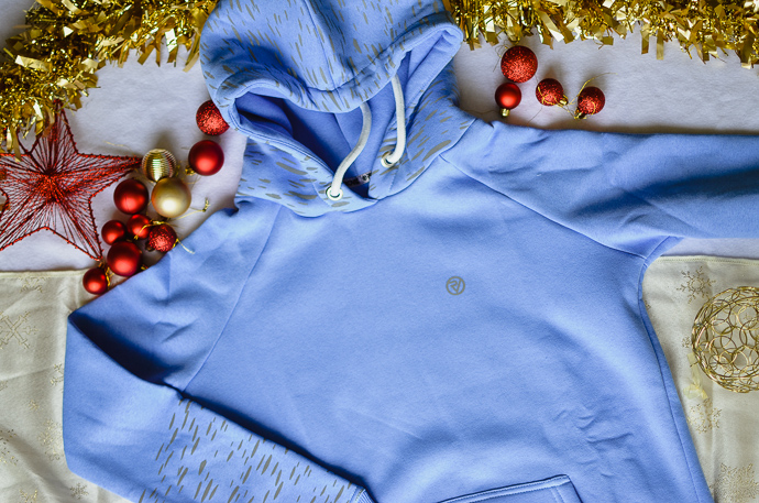 outdoorsy family gift guide, Provis running hoodie
