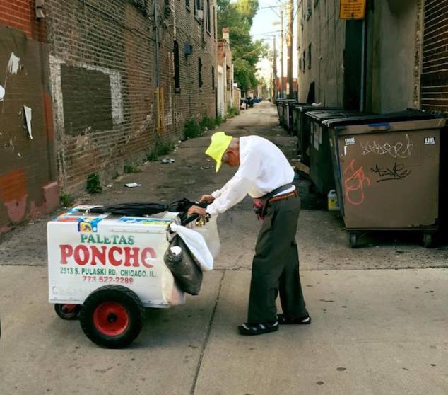 Vendedor de helados de 89 años recibe miles de dólares