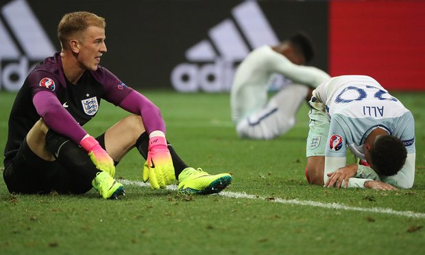 England humiliated as Iceland knock them out of Euro 2016