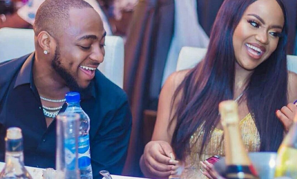 Artiste,  Davido's fiancee and mother of his son, David Jnr, Chioma, has tested positive for Coronavirus.  The singer announced this on his IG page this evening. He said their son however tested negative.  ''Hey everyone ! I came back recently from America after cancelling tour. My fiancé Chioma also came back from London recently with our baby. We had no symptoms and still both feel perfectly fine but because of our recent travel history we decided to take ourselves and our all close associates we've come in recent contact with for the COVID-19 test on the 25th of March.  Unfortunately, my fiancé's results came back positive while all 31 others tested have come back negative including our baby. We are however doing perfectly fine and she is even still yet to show any symptoms whatsoever. She is now being quarantined and I have also gone into full self isolation for the minimum 14 days. I want to use this opportunity to thank you all for your endless love and prayers in advance and to urge everyone to please stay at home as we control the spread of this virus! Together we can beat this!  Love, D ??'' he wrote.