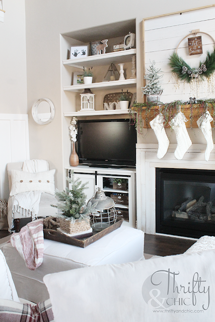 Farmhouse Christmas decor and decorating ideas. Neutral Christmas decor. Living room Christmas decor. White and burlap Christmas tree. Christmas cottage decor