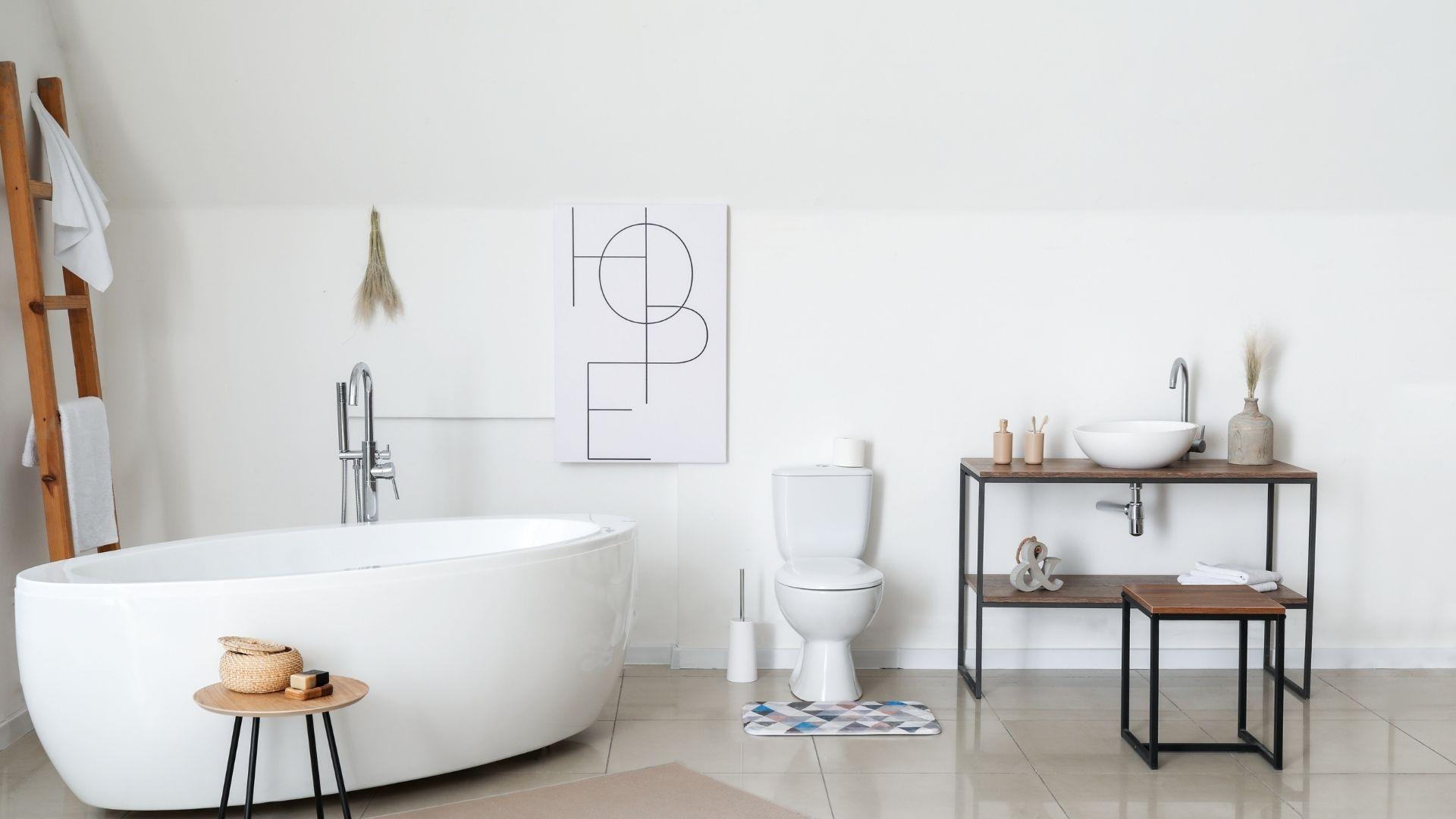 co na ścianę w małej łazience