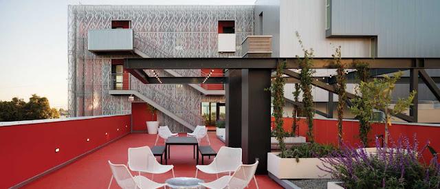03-28th-Street-Apartments-by-Koning-Eizenberg