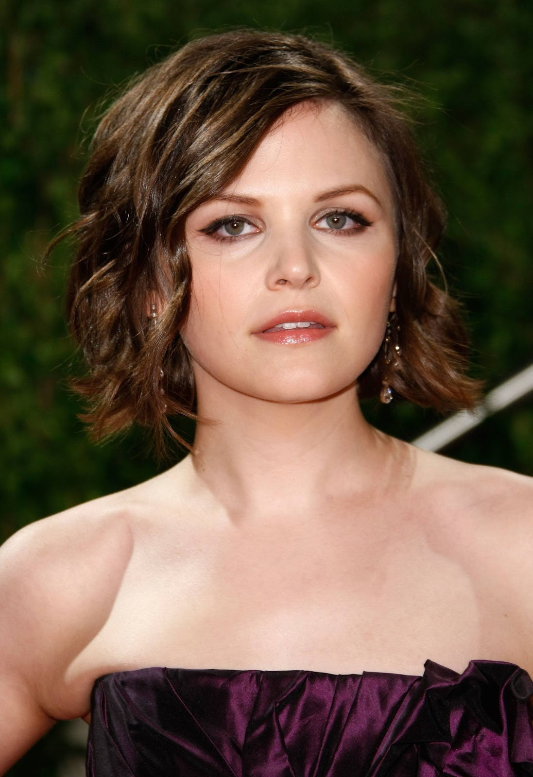 hairstyles popular 2012: Short Bob Hairstyle For Oval ...