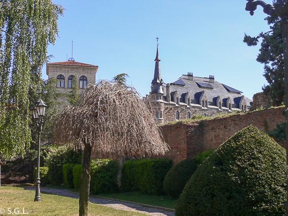 Casa botines en Leon. Gaudi en España