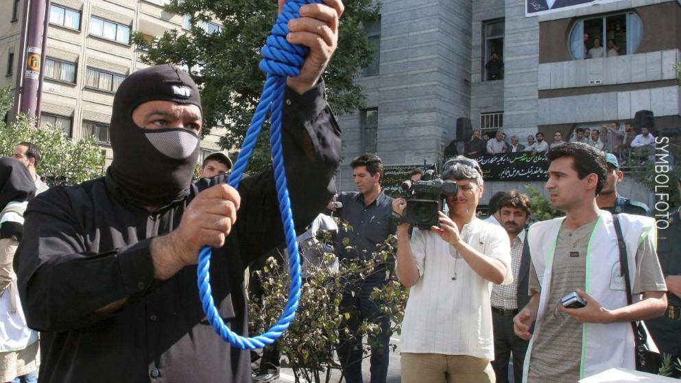 Enforcamento de Homossexual no Irã, Porque a esquerda defende?