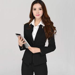 Tampil Fashionable, Berikut 5 Rekomendasi Seragam Kantor Wanita Untuk Outfit Kerja