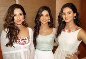 Shakti Mohan with her sisters
