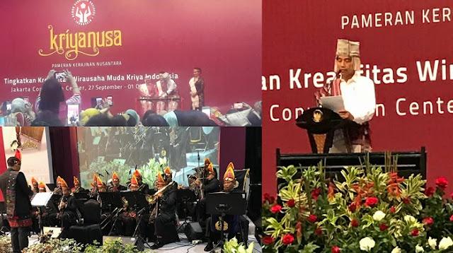 Gunakan Pakaian Adat Batak Presiden Jokowi Memukul Gondang Tanda Pameran Kriyanusa 2017  Resmi Dibuka