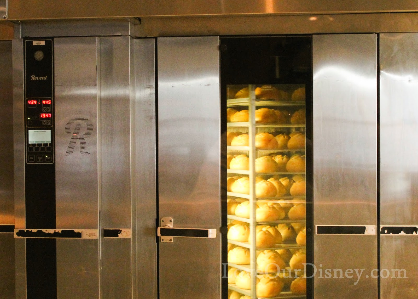 Warm bread fresh from the bakery? YES PLEASE! At Disney California Adventure you can take a bakery tour and see how they make bread for Disneyland. LoveOurDisney.com tells all about it.
