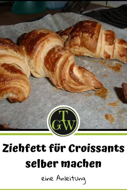 Ziehbutter oder Ziehfett brauchst Du für einen gelungenen Plunderteig, welcher z.B. zu Croissants weiterverarbeitet werden sollte. Man kann es kaufen oder auch selber herstellen. #Plunderteig #Croissant #Ziehbutter #Ziehfett #topfgartenwelt