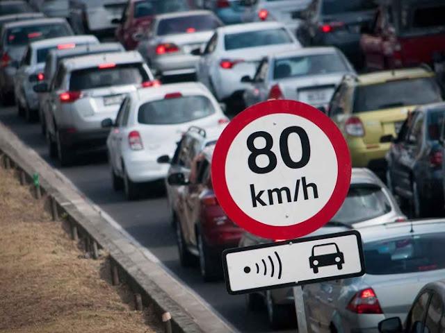 """Autos con placas foráneas, doble """"00"""", taxis y 'micros' librarán las fotocívicas"""