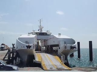 الإبحار إلى جزيرة مصيرة بالعبارة الوطنية NFC