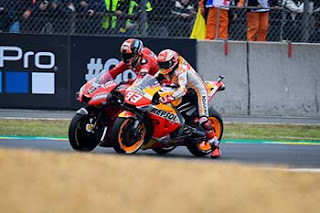 https://1.bp.blogspot.com/-tVbv3XbVW6w/XRXRh4diJuI/AAAAAAAADNg/65razhyu8pU-rixIF41p7gzk7aj6F4M_wCLcBGAs/s320/Pic_MotoGP-_0131.jpg