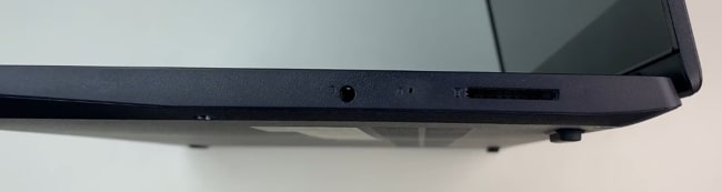 Ports on the right side of Lenovo IdeaPad Slim 3 laptop.