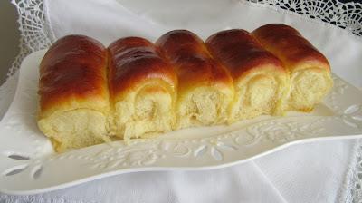 Domaće mliječne kiflice pjenaste i lagane / Homemade milk rolls soft and fluffy