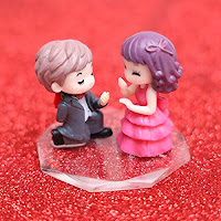 Style Couple Showpiece of Romantic Gifts for Girlfriend Boyfriend Husband Wife