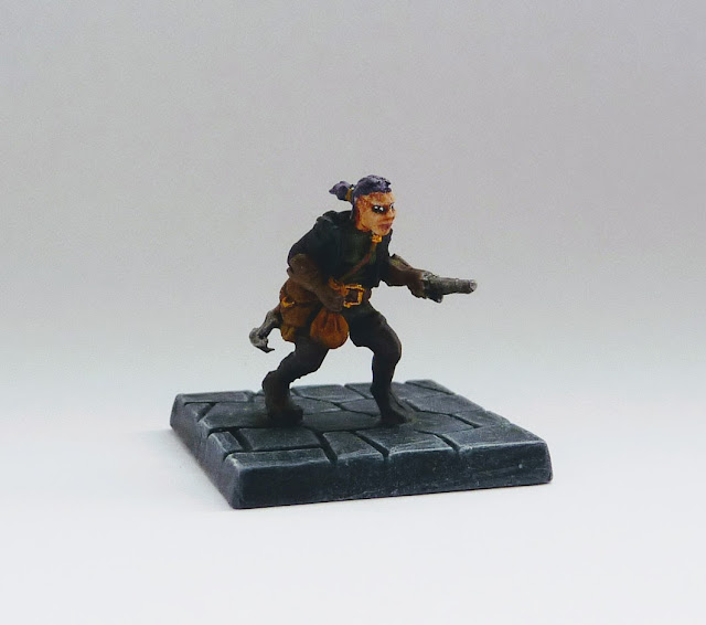 Ally McSween - halfling thief from Tyrant of Halpi expansion for Mantic's Dungeon Saga