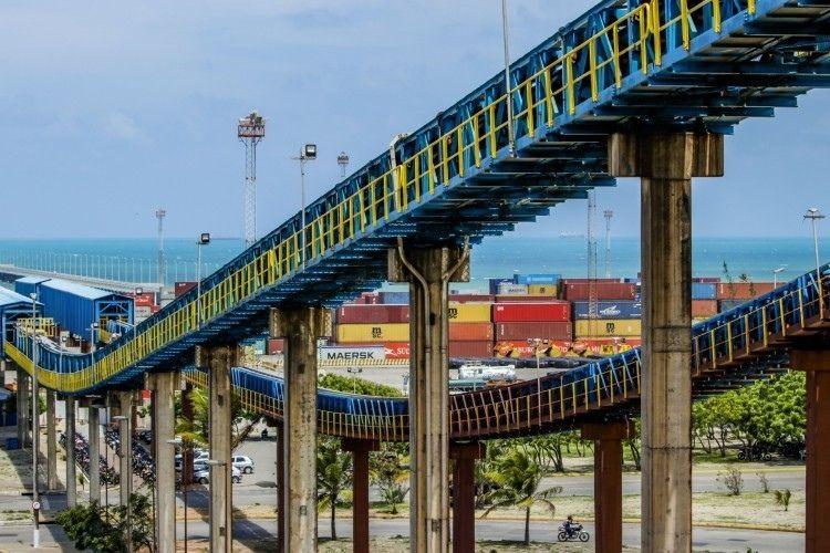 Porto do Pecém tem alta nas movimentações de maio