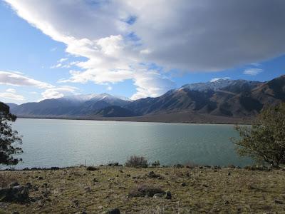 Lago Benmore, cerca de Omarama, en Nueva Zelanda