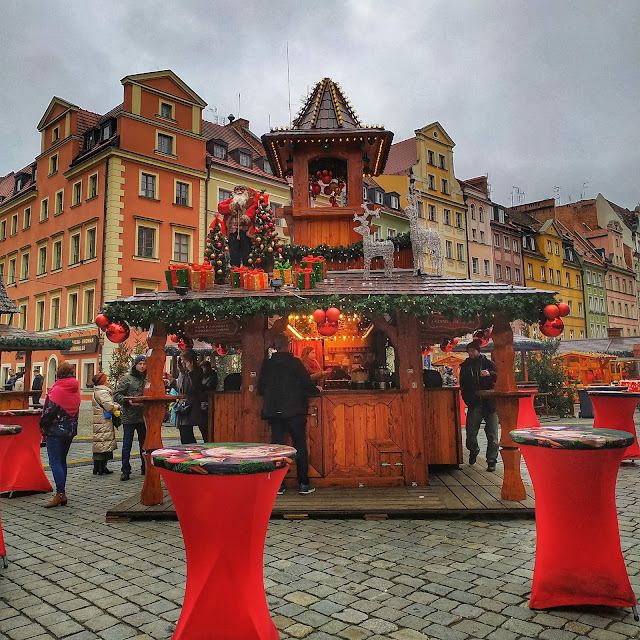 Rynek we Wrocławiu w grudniu, jak wygląda Jarmark