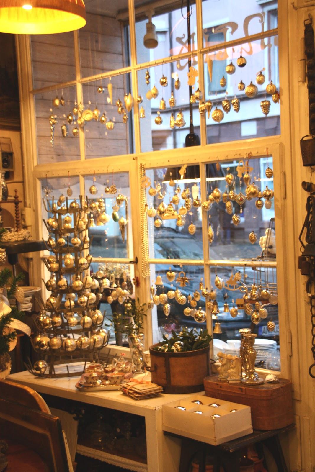 ImSpiegel Antike Christbaumkugeln 2012