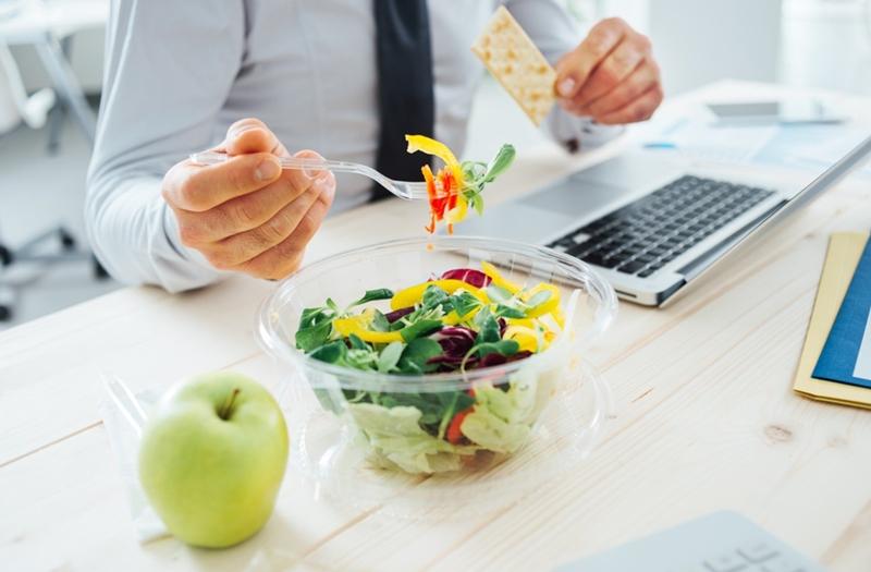 Ofis çalışanlarına sağlıklı atıştırmalık önerileri
