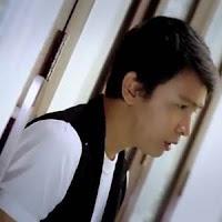 Lirik dan Terjemahan Lagu Harry Parintang - Ulah Talampau Arok