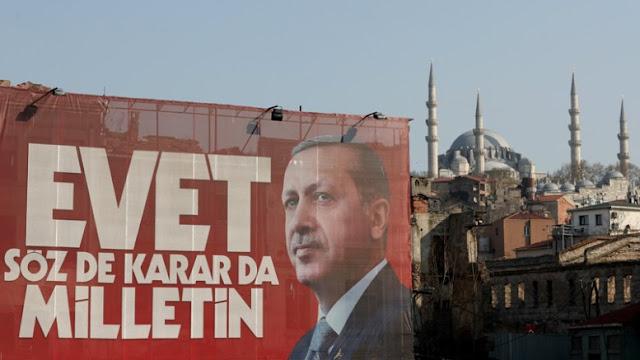 Διαιρεμένη και πολωμένη η Τουρκία μετά το δημοψήφισμα: Ποια η σχέση της με τη Δύση;