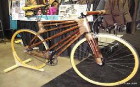 sepeda santai dari bahan bambu