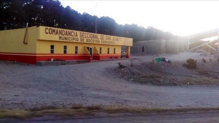 Convoy de sicarios irrumpen y ejecuta a policía en comandancia de Bocoyna, Chihuahua, levantan y ejecutan a 4 detenidos
