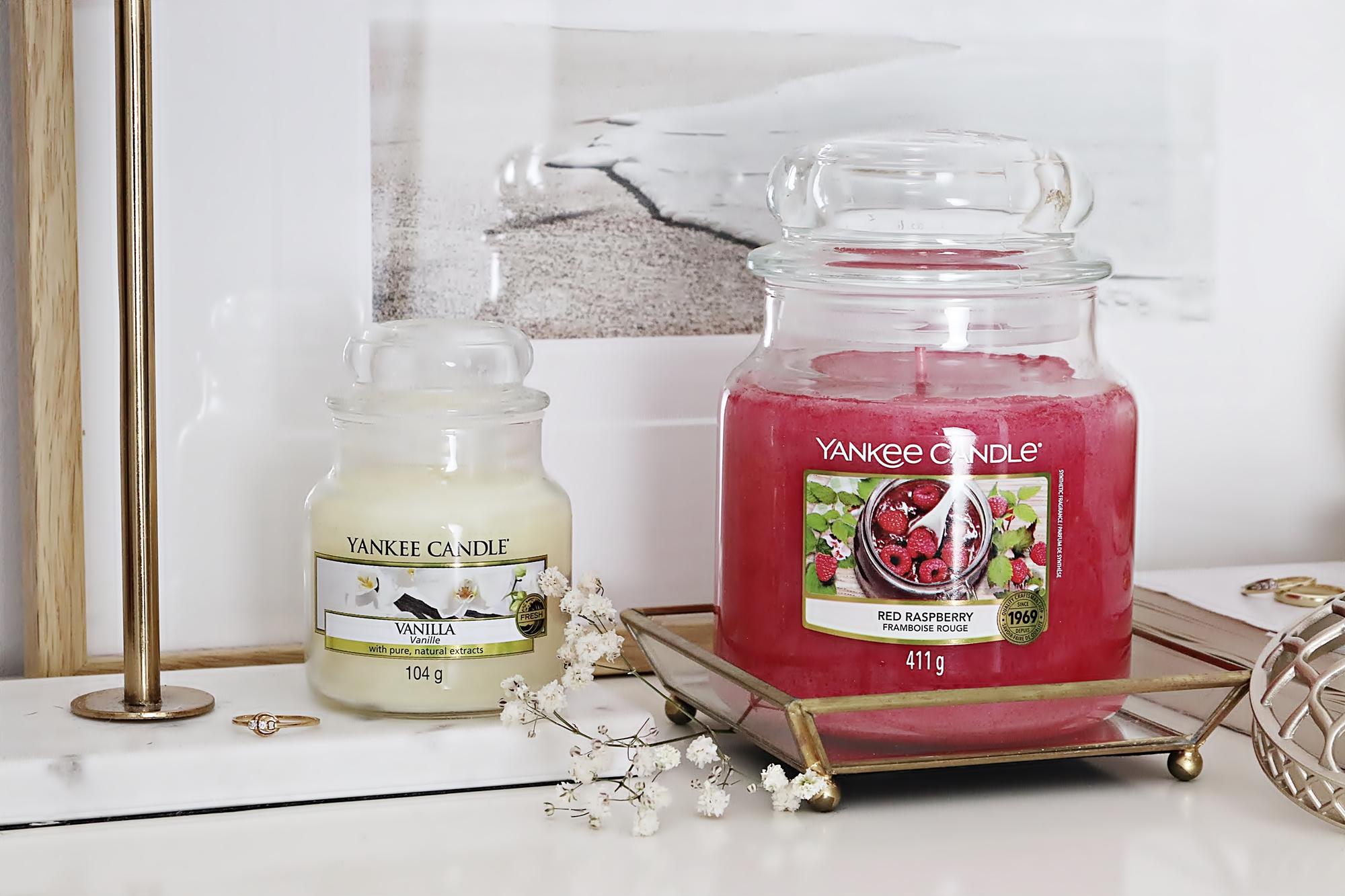 Zapachy miesiąca Yankee Candle na kwiecień 2021 - Vanilla i Red Raspberry