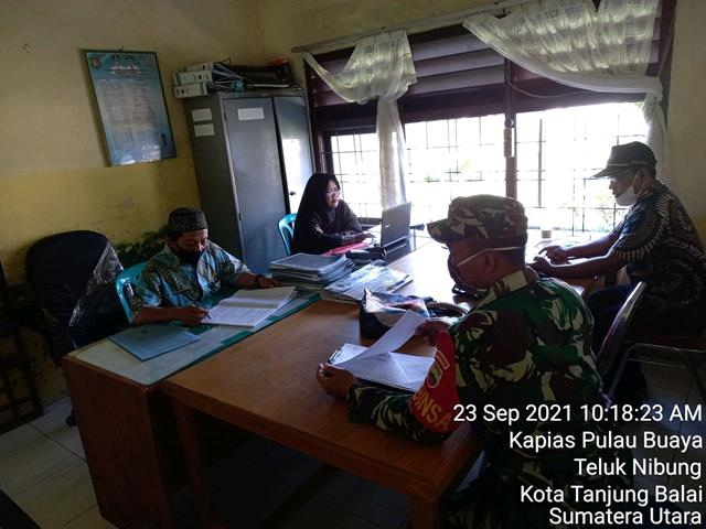 Komsos Dengan Pegawai Kantor Camat Dilakukan Oleh Personel Kodim 0208/Asahan