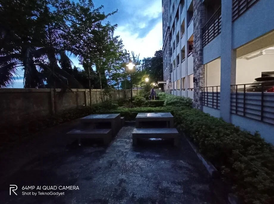 Realme 6 Camera Sample - Outdoor, Night, Ultrawide